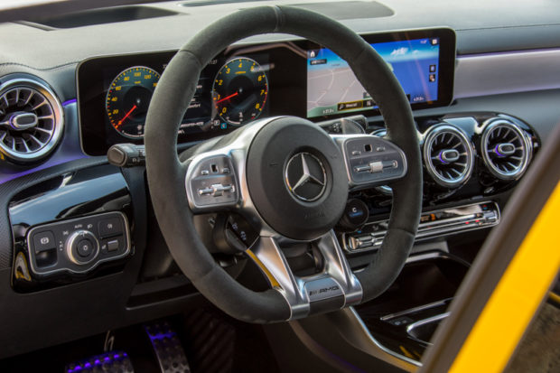 Mercedes-AMG A35 4MATIC Cockpit