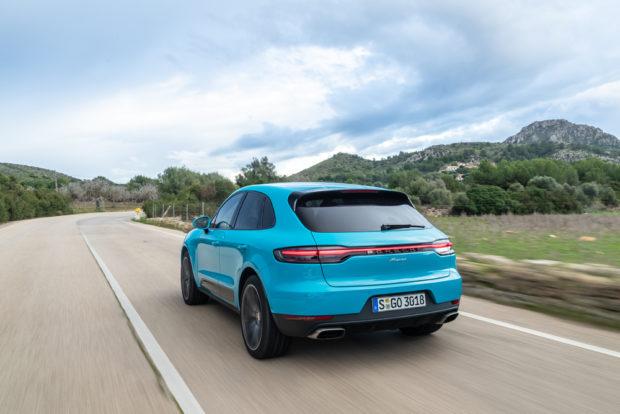 Porsche Macan Facelift Miami Blue heck