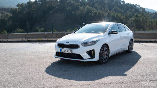 2019 Kia ProCeed GT weiss Front