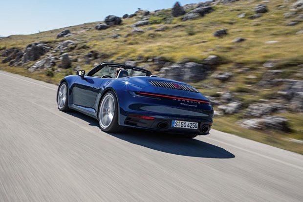 Porsche 911 Cabriolet 992 Fahrend