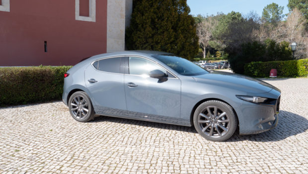 Mazda3 Skyactiv-G 2.0 M Hybrid C-Säule