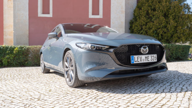 Mazda3 Skyactiv-G 2.0 M Hybrid Polymetall Grau
