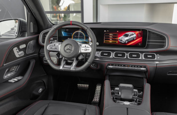 Mercedes-Benz GLE 53 4MATIC+ Cockpit