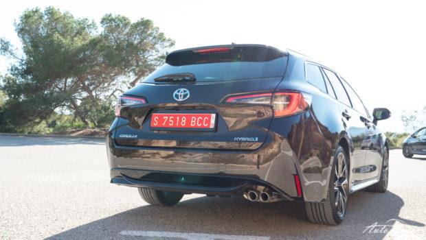 2019 Toyota Corolla Touring Sports 2.0 Hybrid Heck