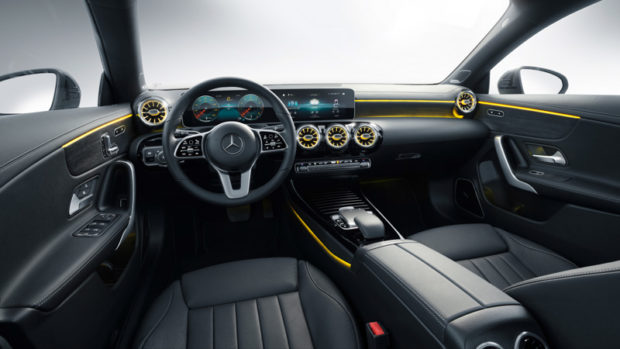 2019 Mercedes-Benz CLA Shooting Brake X118 Cockpit