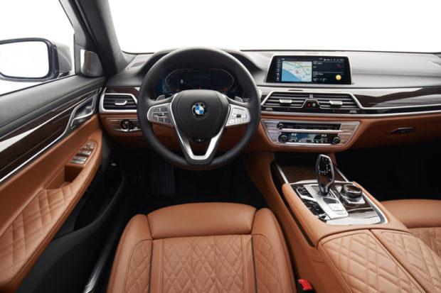 BMW 750Li xDrive G12 LCI Cockpit