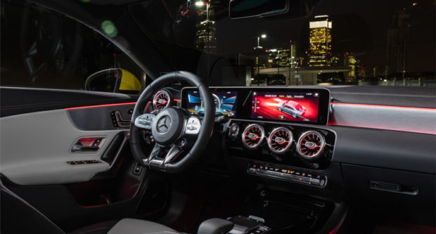 Mercedes-AMG CLA 35 4MATIC Cockpit