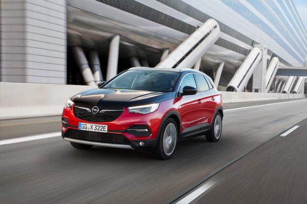 Opel Grandland X Plug-in Hybrid schwarze Motorhaube
