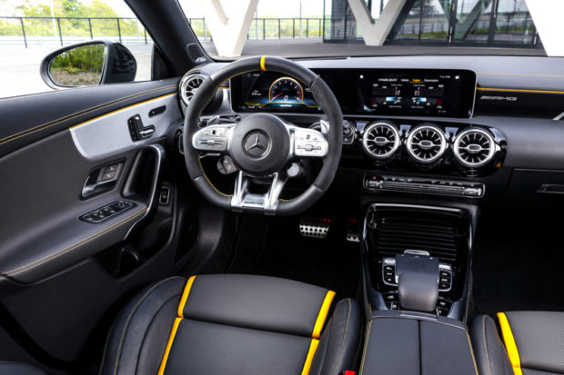 CLA 45 S Cockpit