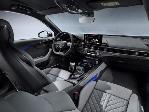 Audi S4 TDI quattro Cockpit