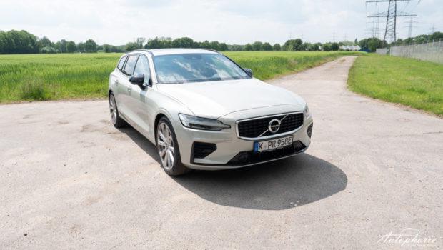 2019 Volvo V60 T8 R-Design Front