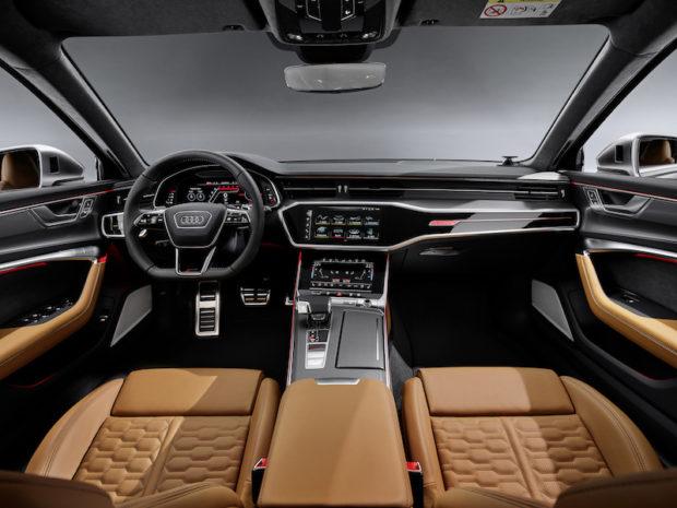 2019 Audi RS6 Avant Cockpit