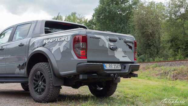 Ford Ranger Raptor grau