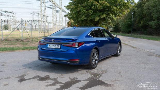 Lexus ES 300h F Sport Heck