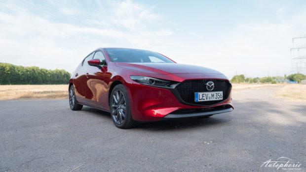 Mazda3 Skyactiv-D 1.8 magmarot