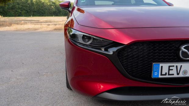 Mazda3 Skyactiv-D 1.8 magmarot Frontdetails