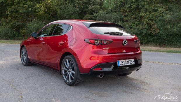 Mazda3 Skyactiv-D 1.8 magmarot Heck