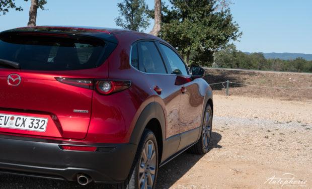 Mazda CX-30 magmarot Detail