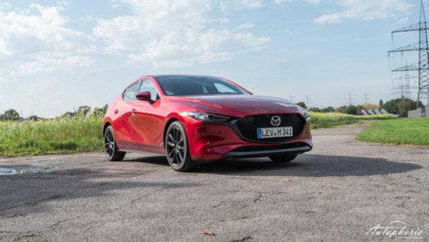 Mazda3 Skyactiv-X Front
