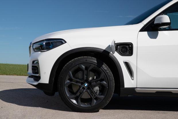 BMW X5 xDrive45e Ladeanschluss