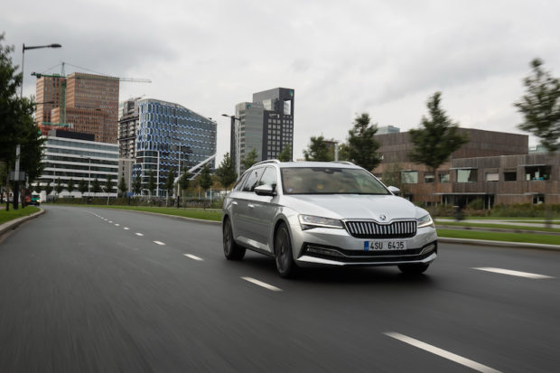 2020 Skoda Superb iV Combi