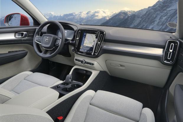 Volvo XC40 Plug-in Hybrid Cockpit