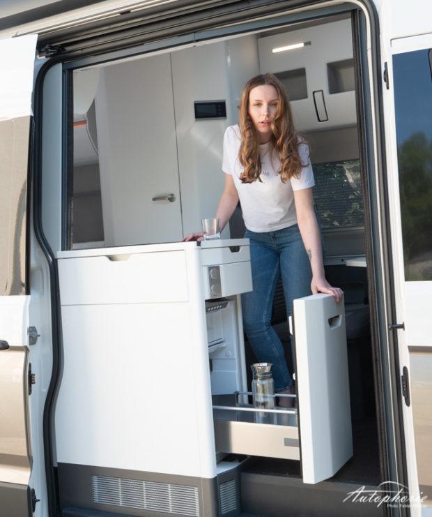 VW Grand California 600 Kühlschrank