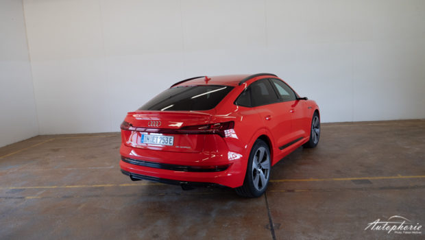 Audi e-tron Sportback catalunyarot Heckansicht