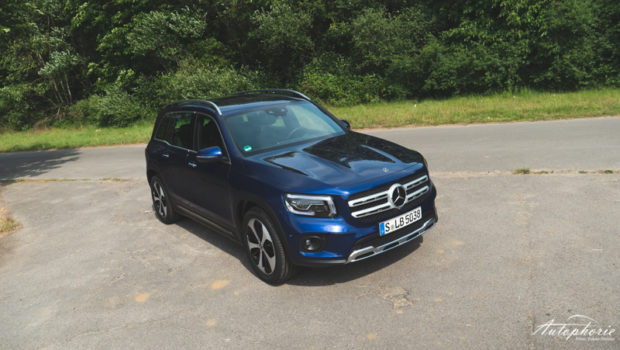 Mercedes-Benz GLB 250 4MATIC Front