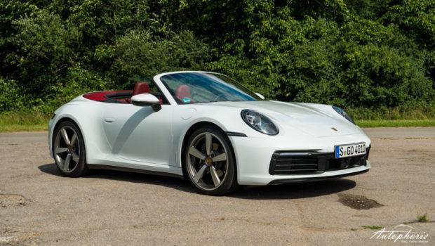 Porsche 911 Carrera Cabrio (992) Verdeck offen Frontansicht