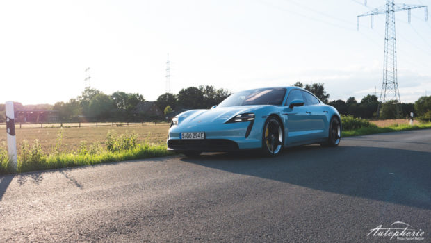 Porsche Taycan 4S frozenbluemetallic