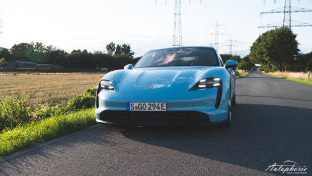 Porsche Taycan 4S frozenbluemetallic Front