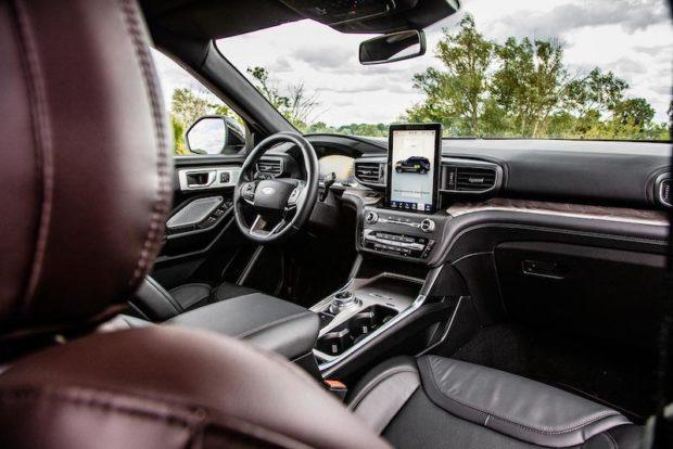 Ford Explorer Plug-in Hybrid Platinum Cockpit