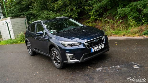 Subaru XV e-Boxer Dark Blue Pearl Front
