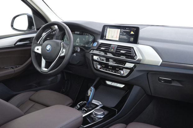 BMW iX3 Cockpit