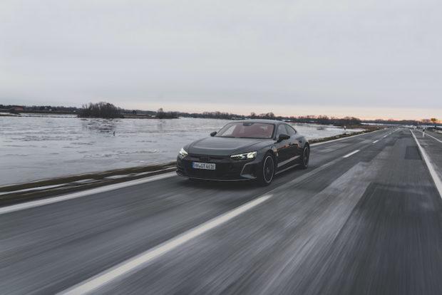 Audi RS e-tron GT Daytonagrau Front