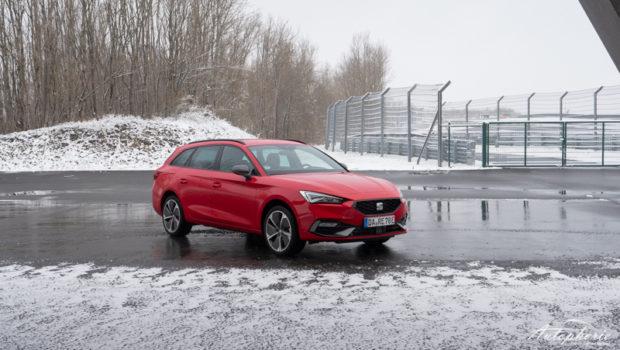 Leon Sportstourer e-Hybrid FR Pure Rot Front
