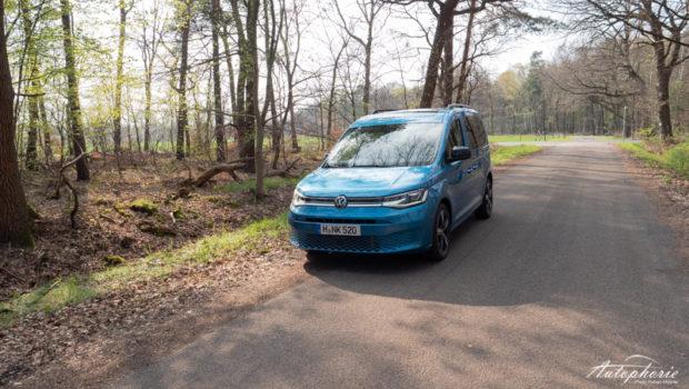 VW Caddy 5 Costa Azul Metallic Front