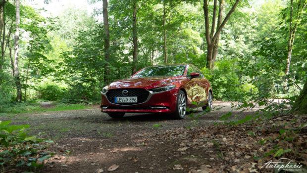 2021 Mazda3 Fastback e-Skyactiv X Front