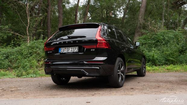 2022 Volvo XC60 R-Design Black Stone Heck